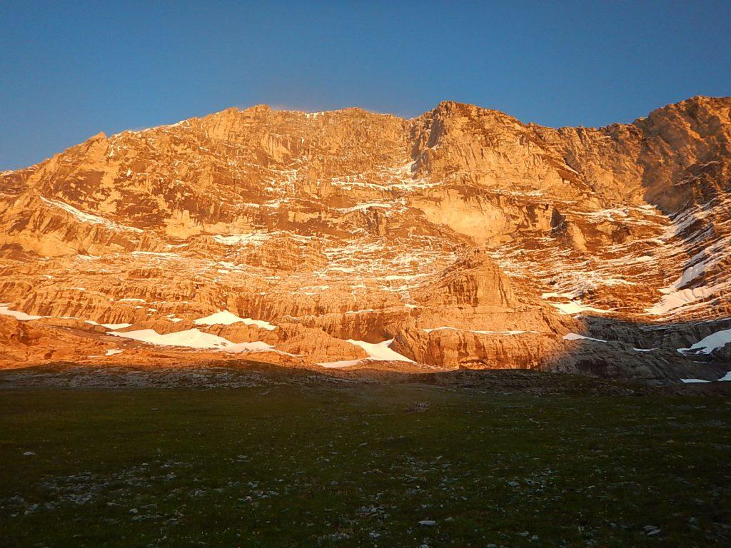 Eiger-Nordwand im Abendglühen