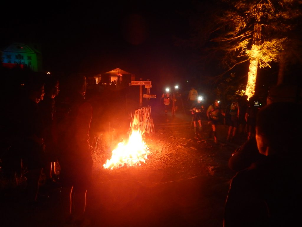 Traditonelles Feuer bei Notre-Dame de la Gorge